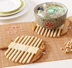 صورة Creative Wooden Pot Holder Heat